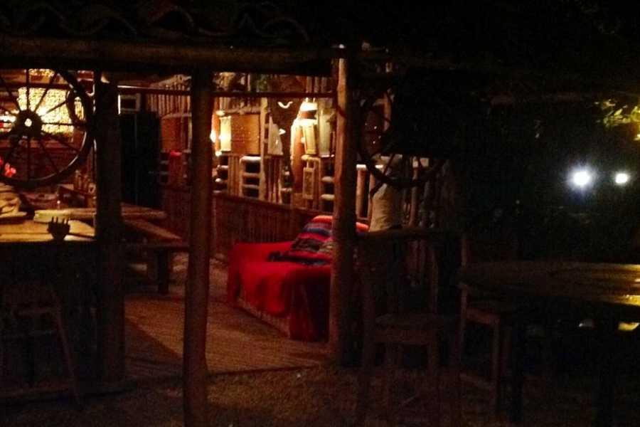 Black stallion ranch Romantic BBQ Dinner for 2 ppl + FREE Bottle of Wine