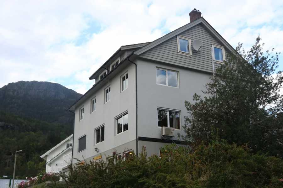 Juklafjord -Jondal Tourist Information Hardanger Rom & Harmonium