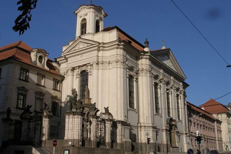 Turistico s.r.o. Planes alternativos en Praga