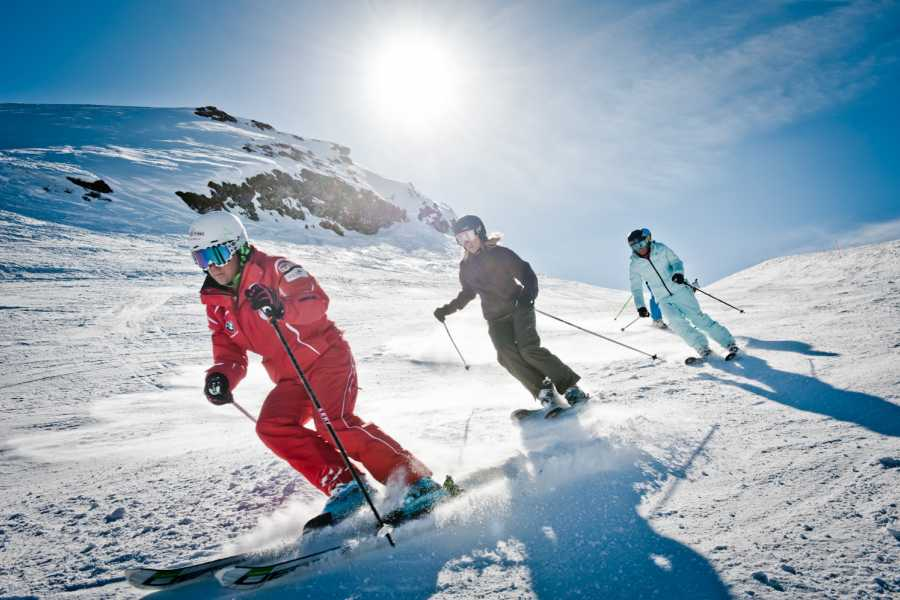 Outdoor Interlaken AG 滑雪私教课程(Private Ski Lessons)