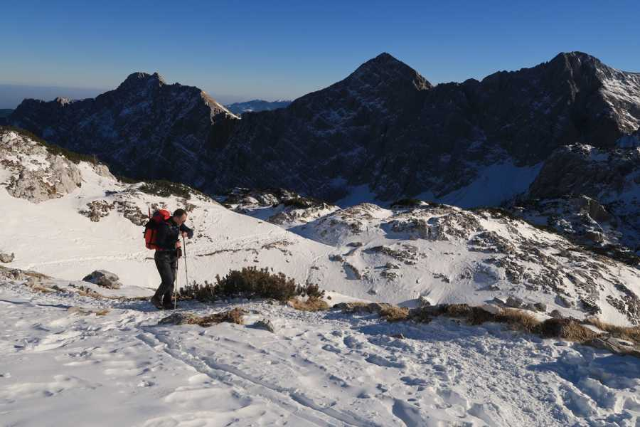 Turistično društvo in Center gorskega vodništva Mount Triglav Winter Climb