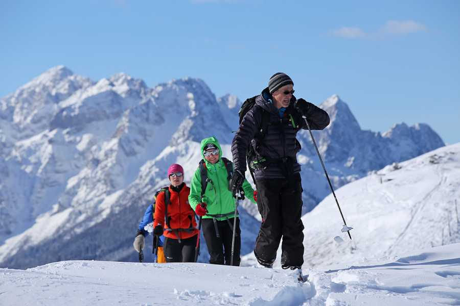 Turistično društvo in Center gorskega vodništva Ski Touring in Slovenian Alps
