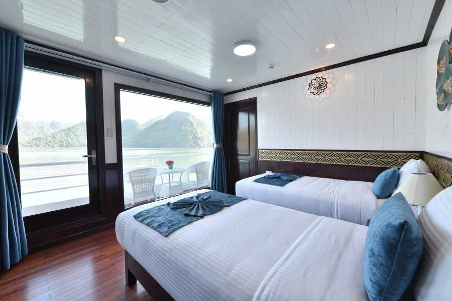 Friends Travel Vietnam Sapphire Cruise | 2D1N Lan Ha Bay