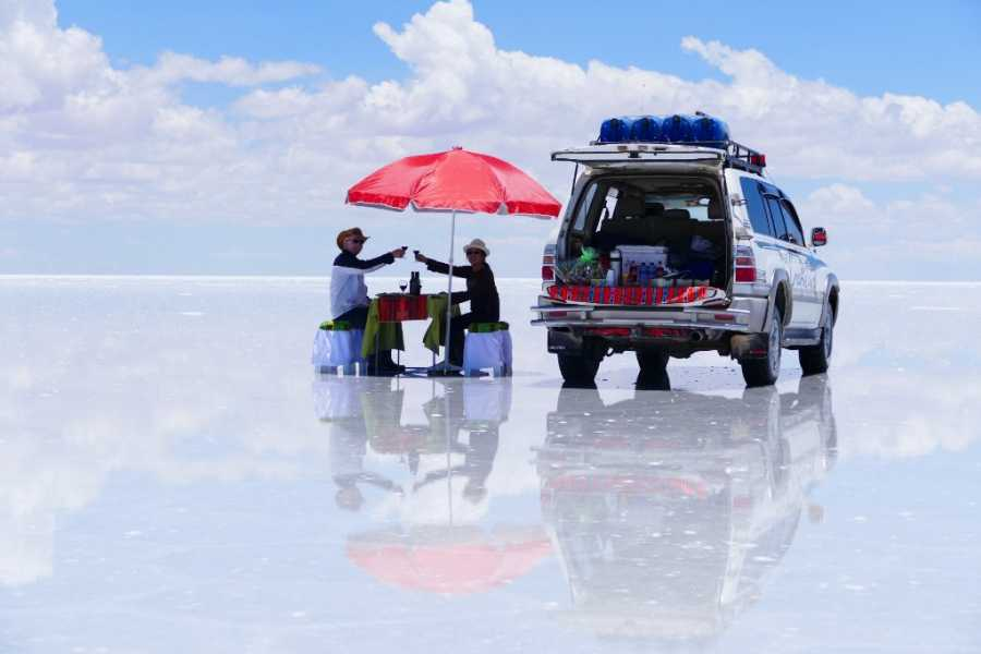 Uyuni Expeditions AUKA RUNAS ATACAMA-ATACAMA 4D / RETURN BY BUS (RAINY SEASON)