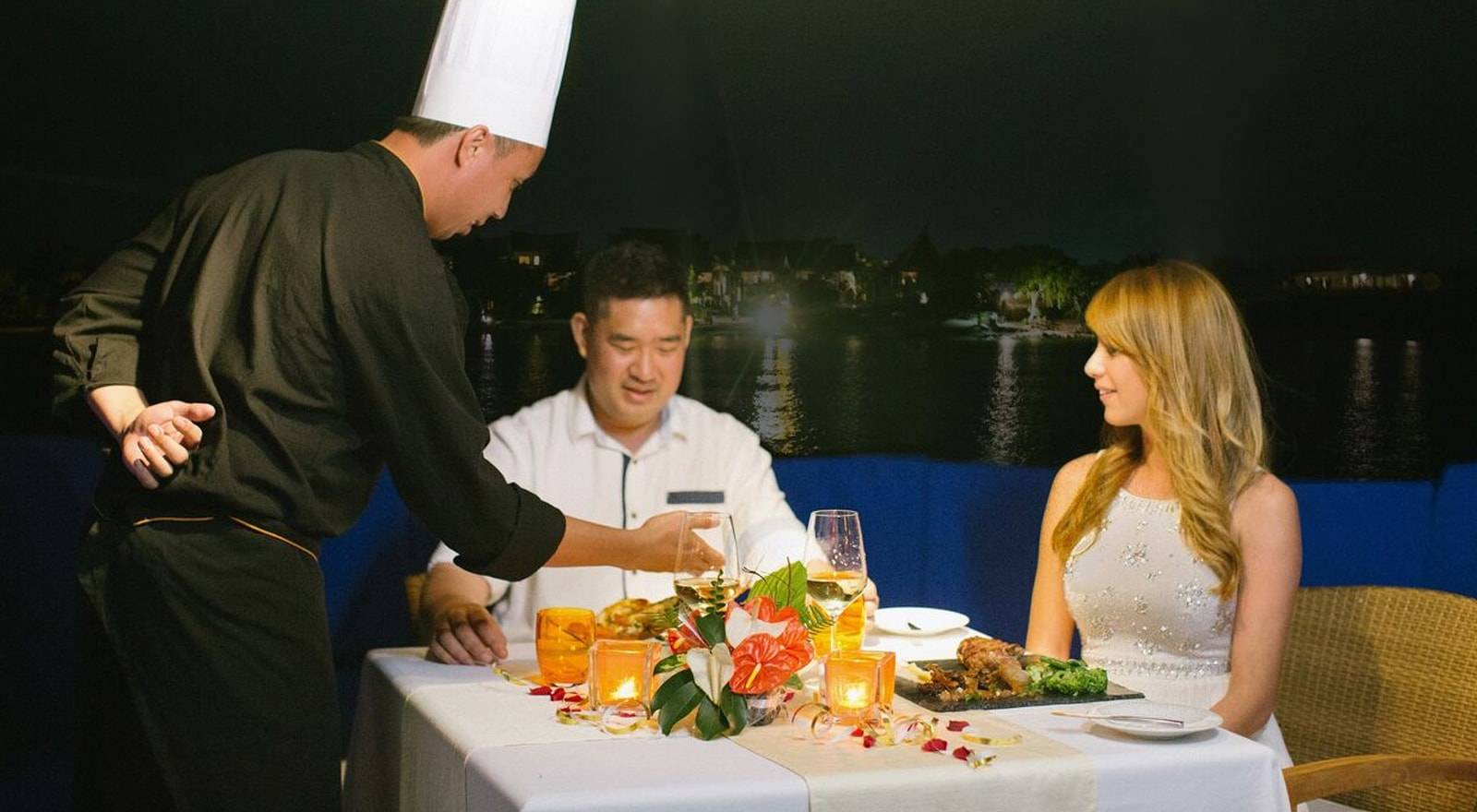 Exclusive Sunset Cruise with Dinner