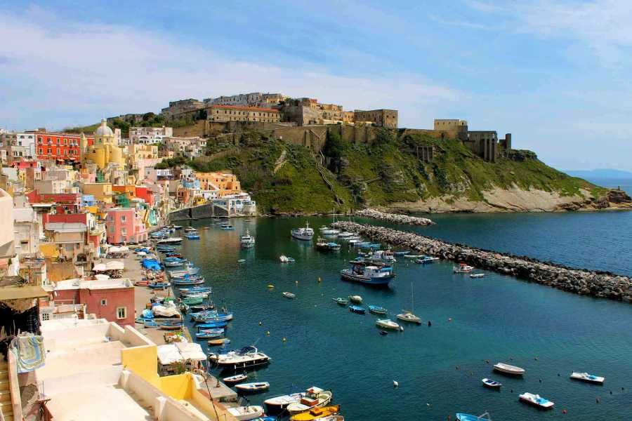 HP Travel Ischia e Procida - Esperienza in barca da Sorrento
