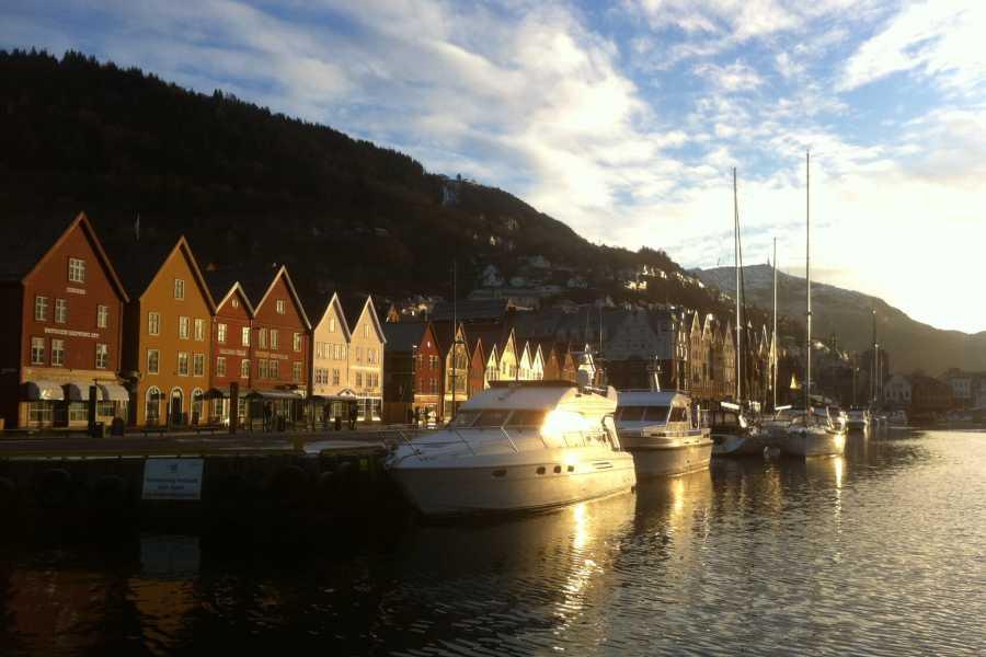 Mi Casa Tu Casa Tours Basic Bergen - 1h