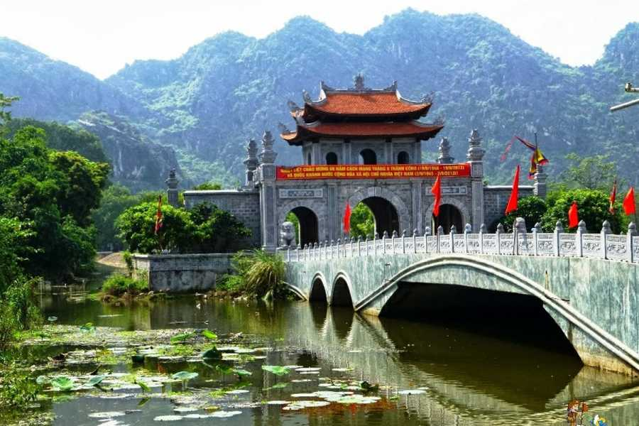 Friends Travel Vietnam Ninh Binh Hoa Lu - Tam Coc Day Tour | Small Group