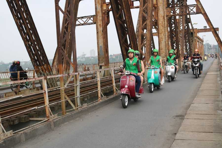 Vietnam 24h Tour Hanoi Vespa Tour - The Insider's hanoi 4,5 hours ( Bike Tour)