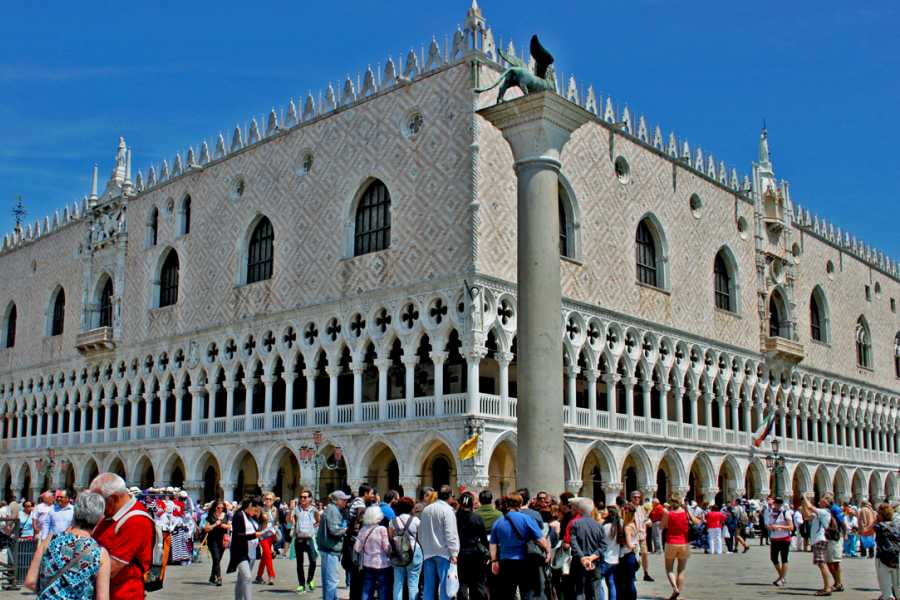 Venice Tours srl The unmissable tour: Doge's Palace & Golden Basilica