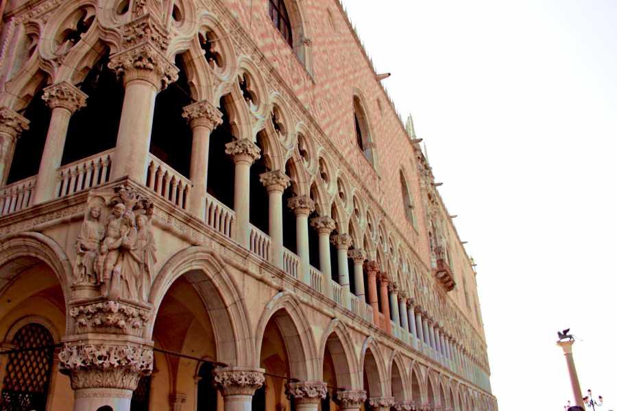 Venice Tours srl The unmissable tour: Doge's Palace & Golden Basilica