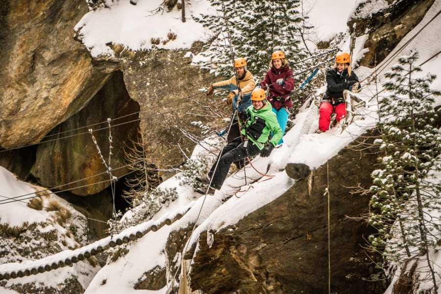 Saas-Fee Guides Alpine Canyon - Winter Tour
