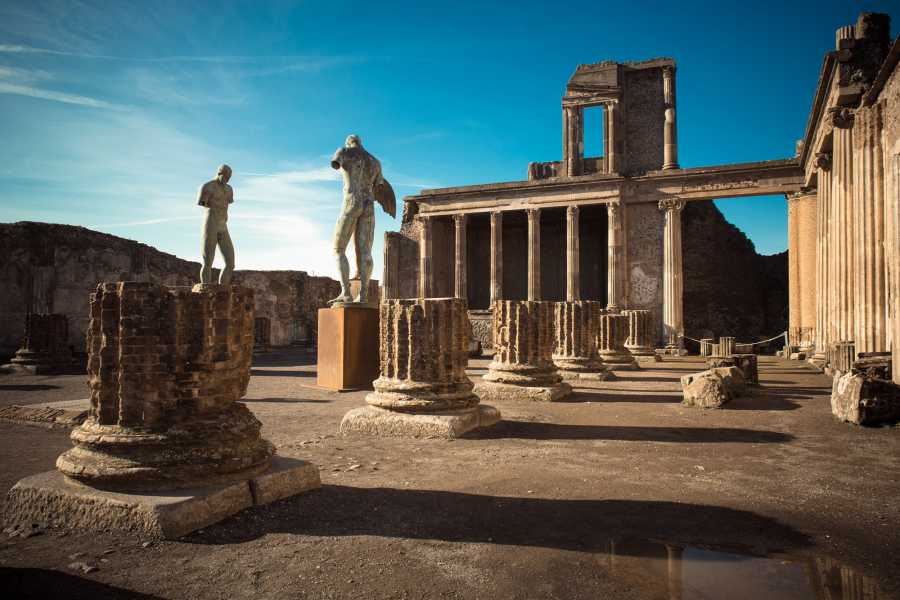 Feeling Italy Concierge Private Tour of Pompeii and Vesuvius in Van