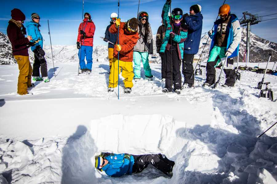 Saas-Fee Guides Avalanche Course - ISTA Discovery
