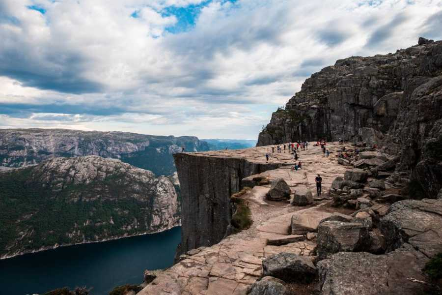 Viking Biking Hiking Tour: Trolltunga, Preikestolen & Kjerag (6 Days)