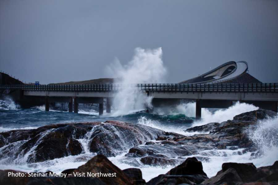 Travel like the locals (Møre og Romsdal) The Atlantic Road & Molde (one way)
