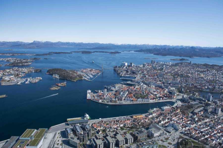 Explore Lysefjorden AS Helicopter sightseeing Lysefjorden