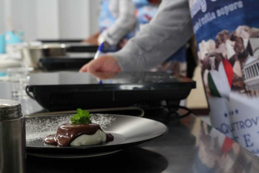 HP Travel Neapolitan Hands-on Cooking Class