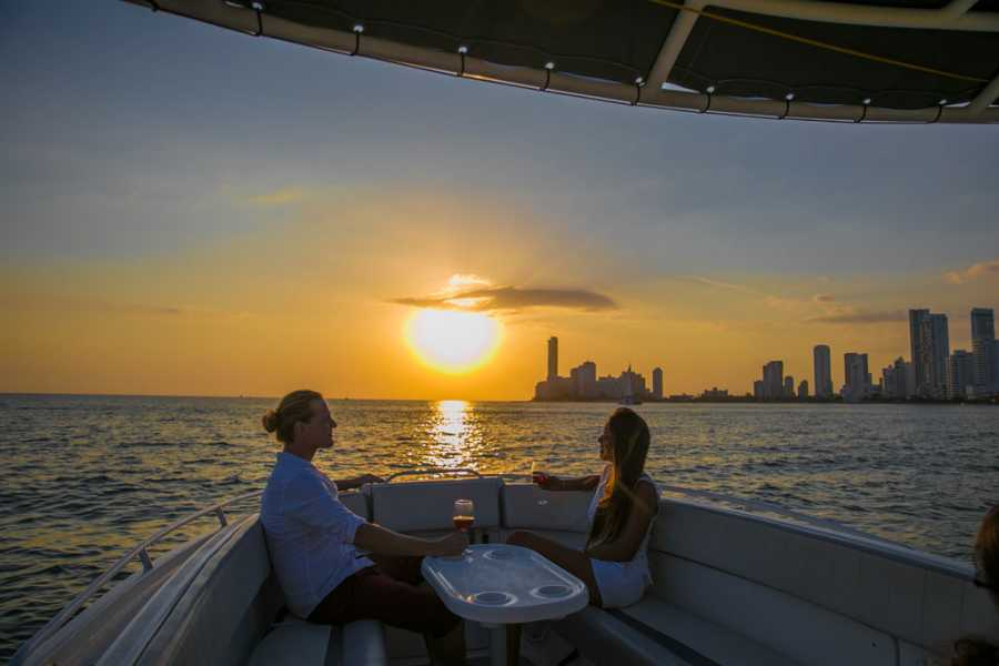 Backpackers Sunset Boat Cartagena - Private
