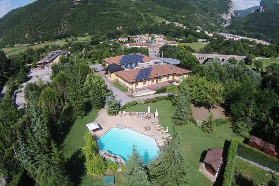 UmbriaMarche Hotel Ristorante Le Grotte ****