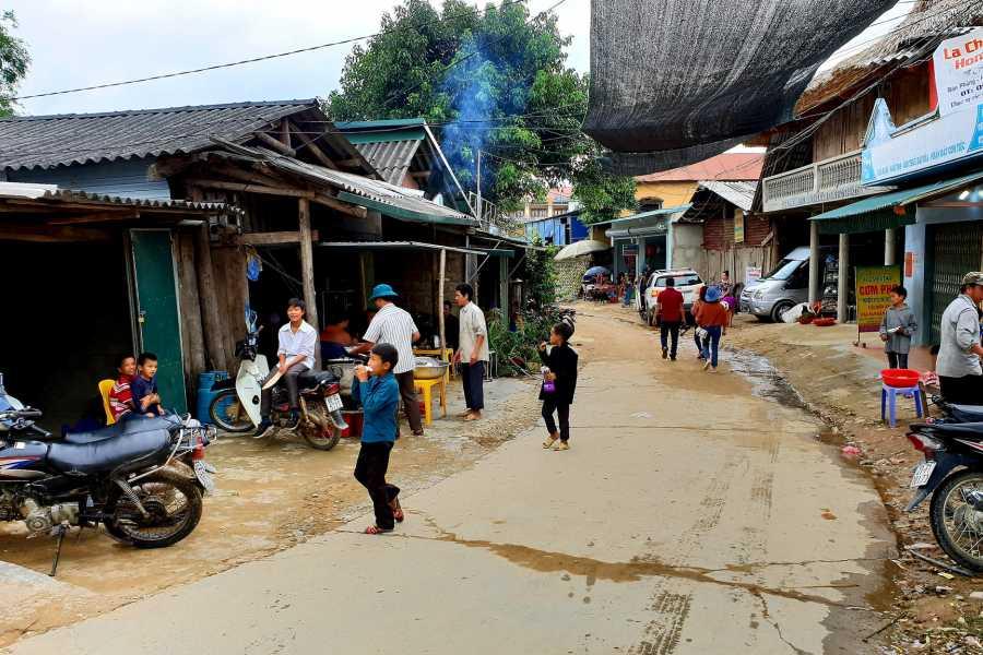 OCEAN TOURS Vietnam North-East Motorbike Tours