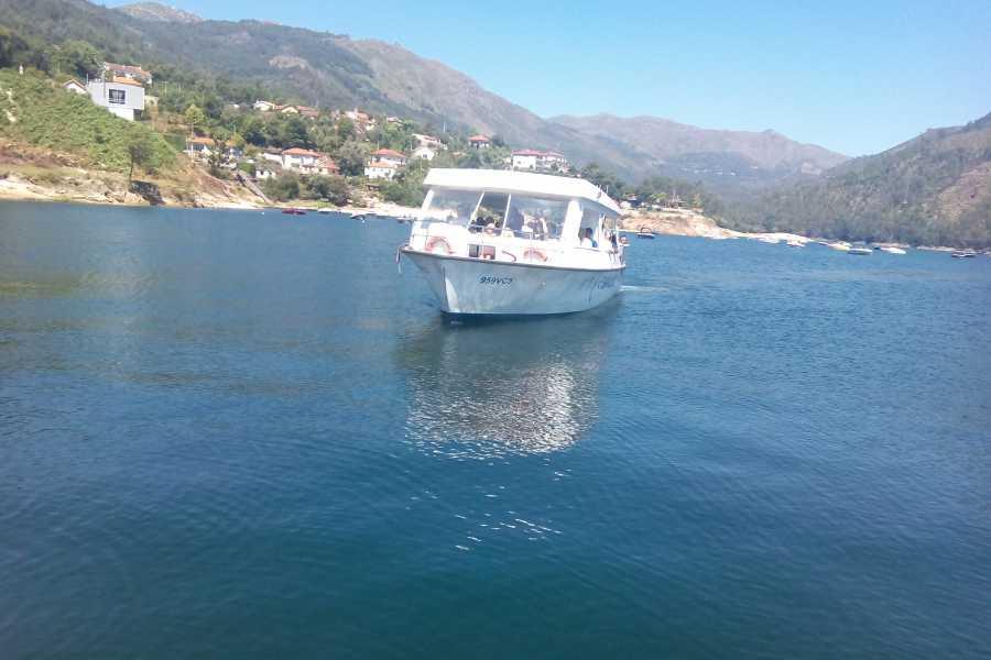 Gerês Equidesafios Barcos na Caniçada