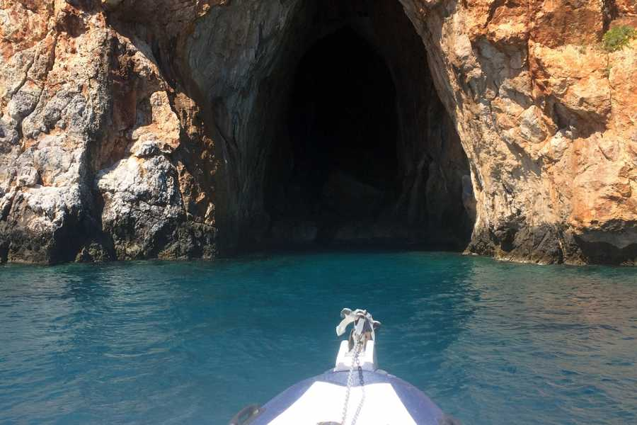 Grekaddict Half Day Private Speedboat Charter to Souda Bay in Crete