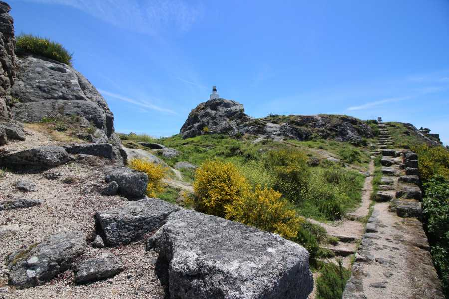 Gerês Equidesafios Tour: Castles and Granaries 1 Day