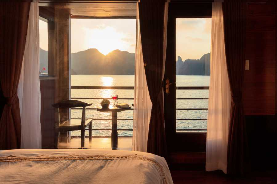 Friends Travel Vietnam V'spirit Premier Cruise | 2D1N Lan Ha Bay