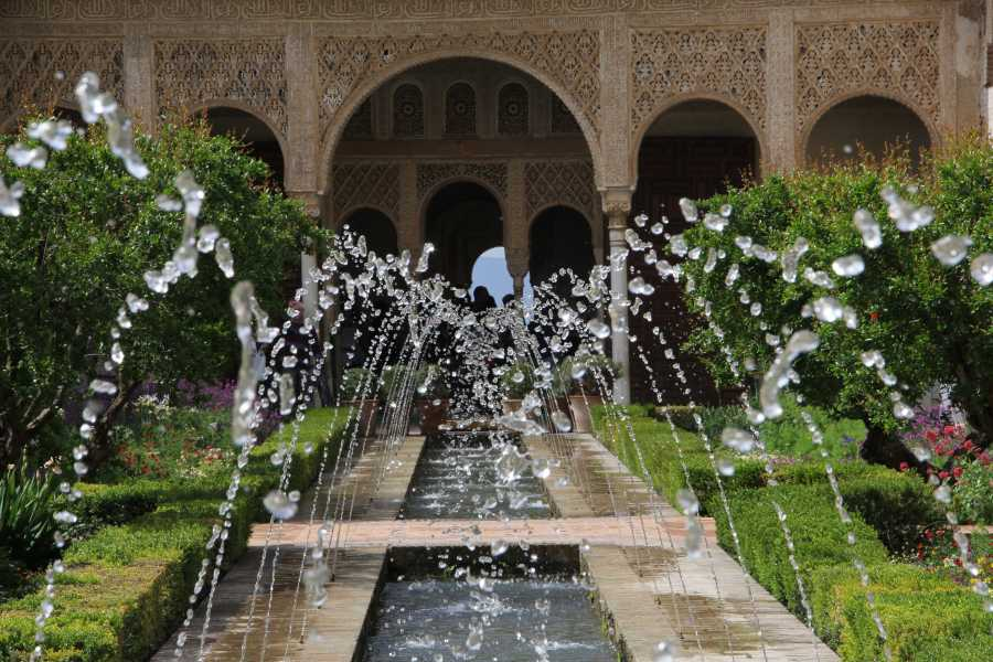 NHUE ALHAMBRA & GENERALIFE PREMIUM GUIDED-TOUR