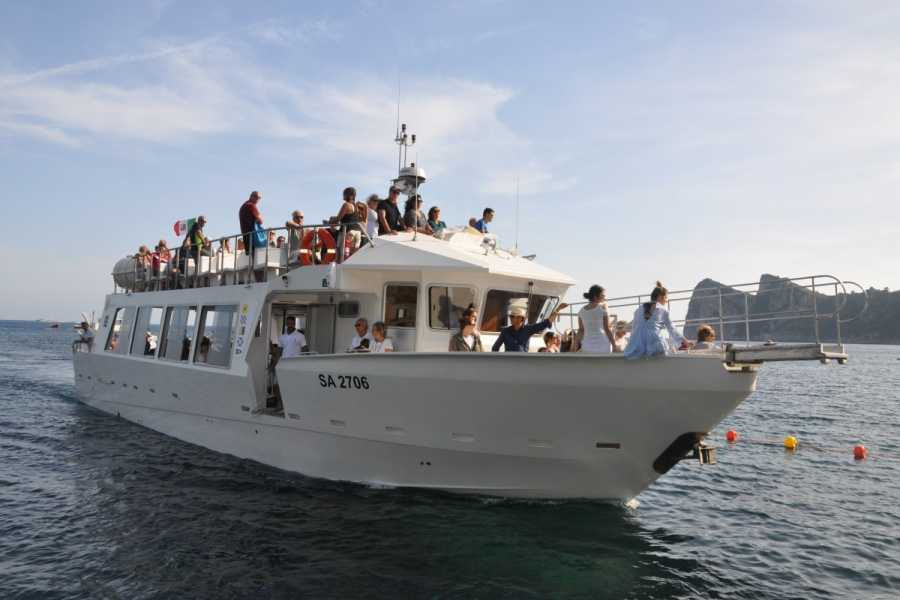 Feeling Italy Concierge Capri Island shared Boat Trip