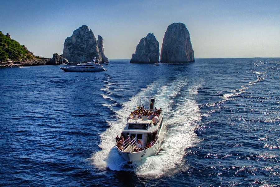 Feeling Italy Concierge Capri Island shared Boat Trip