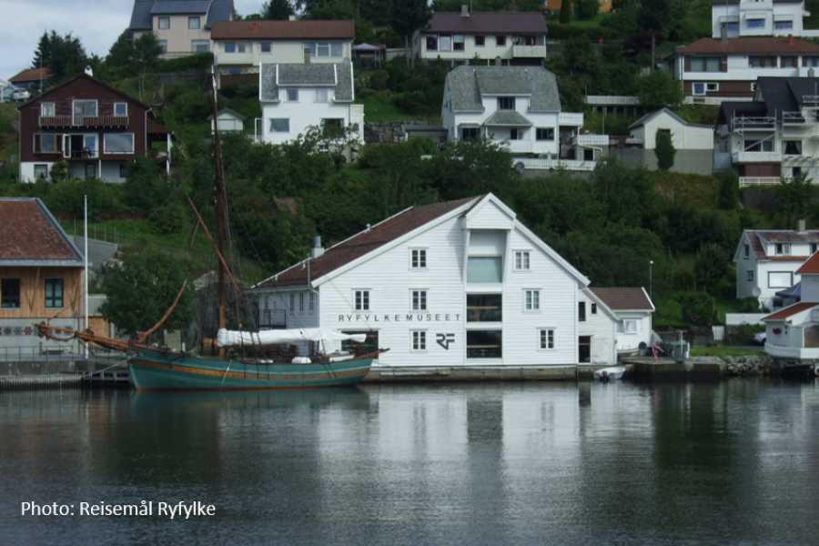 Travel like the locals Fjordsafari i Ryfylke