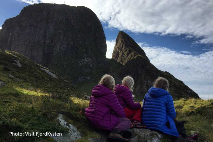 Travel like the locals Sogn & Fjordane Round trip from Førde to the saga island of Kinn