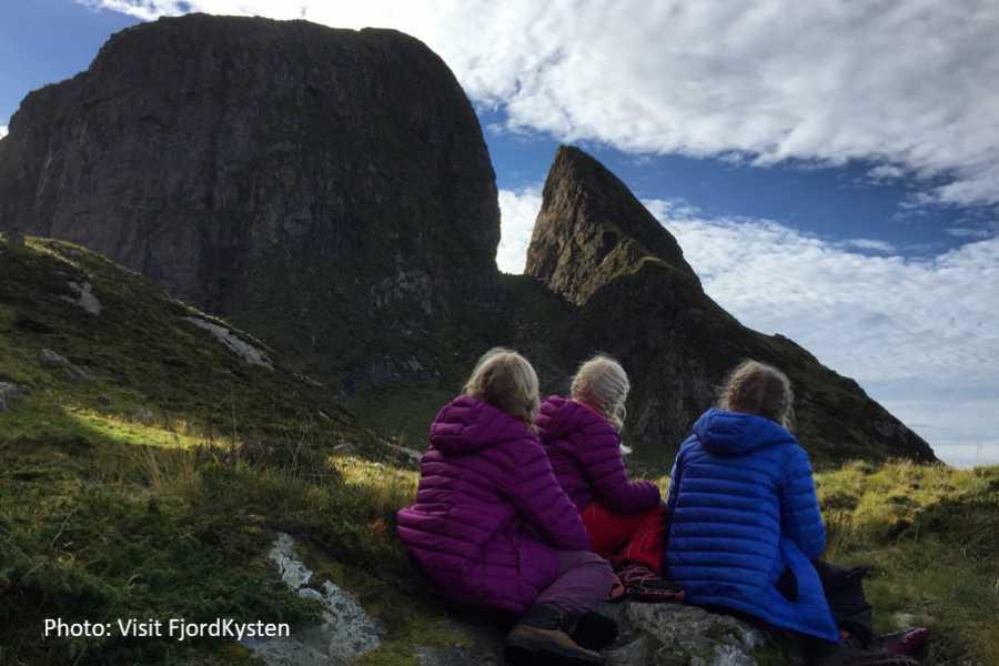 Travel like the locals Sogn & Fjordane Rundtur fråFørde til sagaøya Kinn
