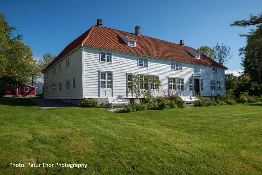 Travel like the locals Sogn & Fjordane Round trip from Førdeto Svanøy