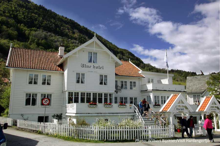 Travel like the locals BESØK HARDANGER FOLKEMUSEUM PÅ UTNE