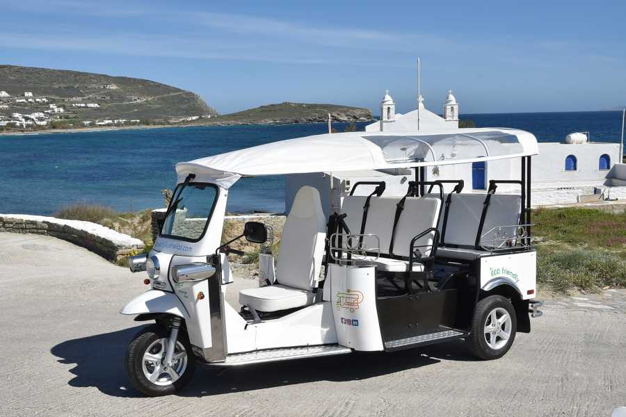 Grekaddict e-TUK Tour of Oia in Santorini