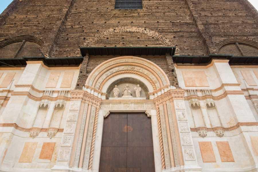 Bologna Welcome Los Secretos de Bolonia: visita guiada en español