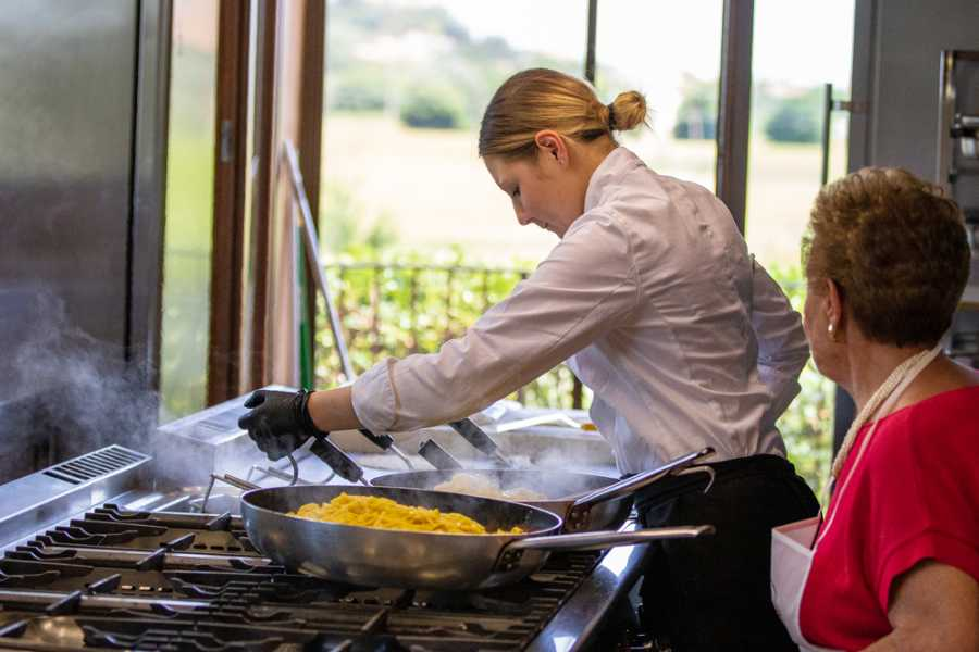 Promozione Alberghiera Cooking class and lunch: tagliatelle