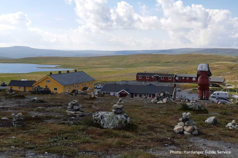 Travel like the locals EXPLORE HARDANGERVIDDA MOUNTAIN PLATEAU