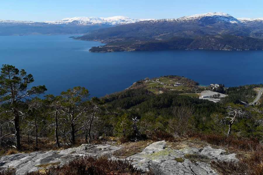 Juklafjord -Jondal Tourist Information Hus på Torsnes