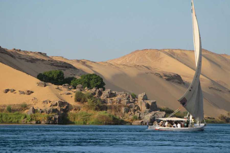 Marsa alam tours 5 Days Nile Cruise Between Luxor and Aswan on Blue Shadow