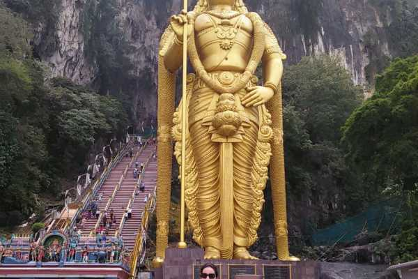 1 DAY TOUR KUALA LUMPUR CITY HIGHLIGHTS KL TOWER BATU CAVES LITTLE INDIA LUNCH BANANA LEAF