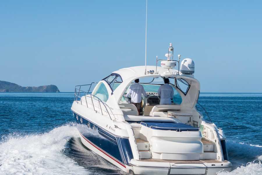Tour Guanacaste Celebrity Yacht & BBQ Tour