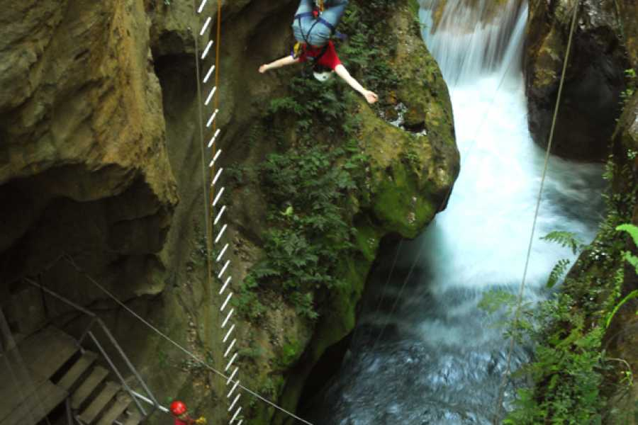 Tour Guanacaste Canyoning & Rappelling Waterfalls Tour