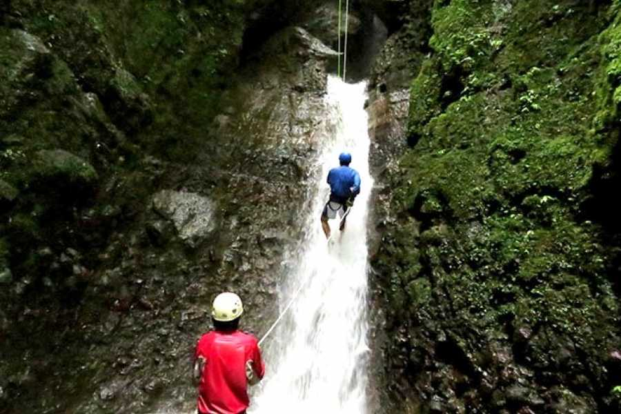 Tour Guanacaste Rappelling Waterfalls Tour