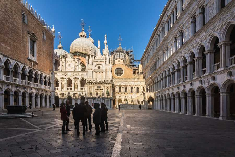 Venice Tours srl DOGE'S PALACE GUIDED  TOUR - GOLDEN BASILICA AND SAINT MARK'S SQUARE AND RIALTO SELF GUIDED TOUR