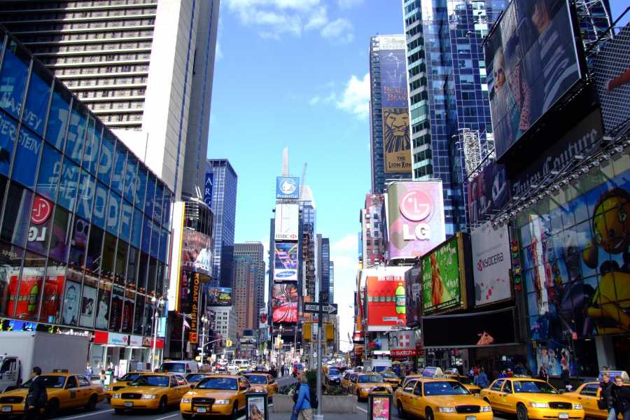 Dream Vacation Tours NYC Luxury hotel Time Square