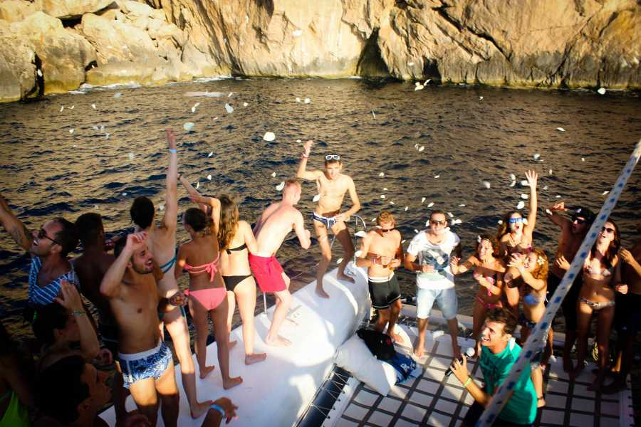 SailandPlay,SLU 2 Hour Boat Party! Bar Onboard!